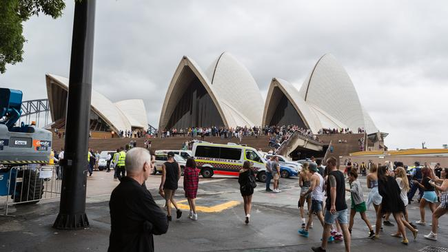 Disappointed. Revellers leave a party cruise which was stopped short after alleged drug offences. Pic: diimex.