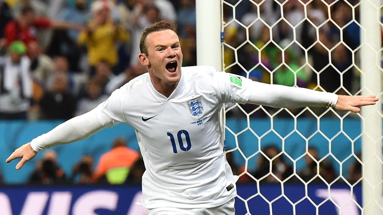 Wayne Rooney is to make a sensational return for England.