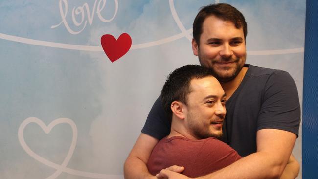 love-sex-dan-dating-tram-pararam-el-dorado