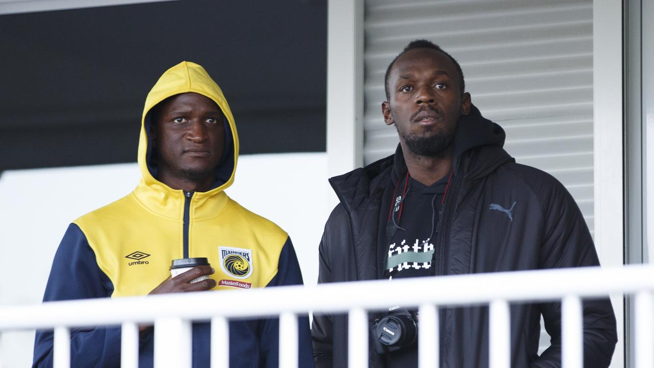Bolt surprised his new teammates by turning up at Pluim Park for a Mariners trial game.