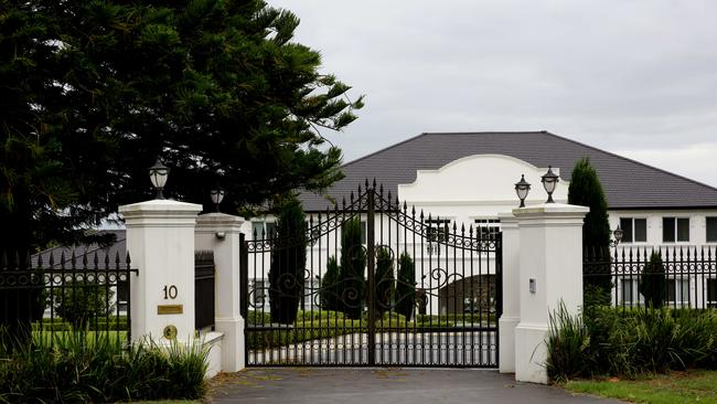 The 'palatial' $6 million Kenthurst mansion once owned by Unique.