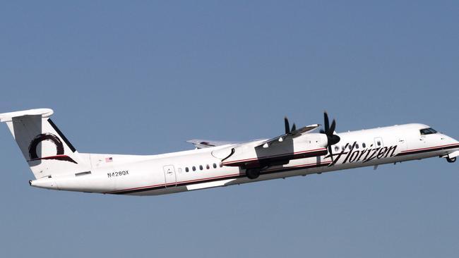 Horizon Air Q400, mint a Seattle-i repülőtéren ellopott, és a közeli Ketron-szigeten lezuhant.