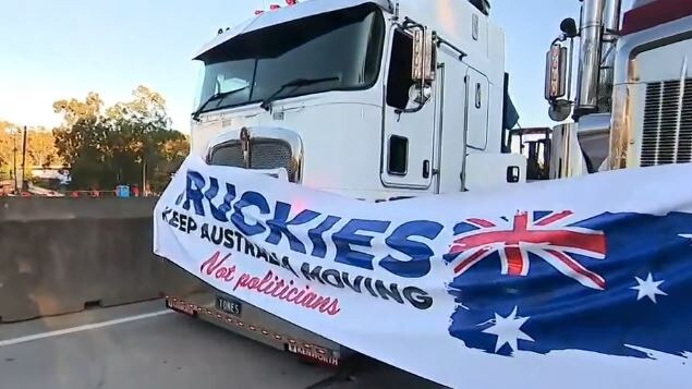 Truckies blocked the M1 in protest against lockdowns and mandatory vaccinations. Picture: Channel 9