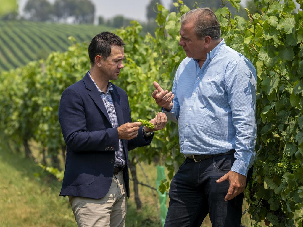 Ricky Ponting and South Australian winemaker Ben Riggs.