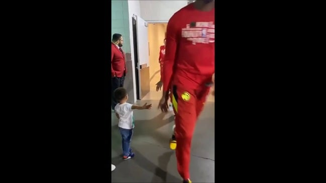 Atlanta Hawks Make Young Fan's Day Before Game
