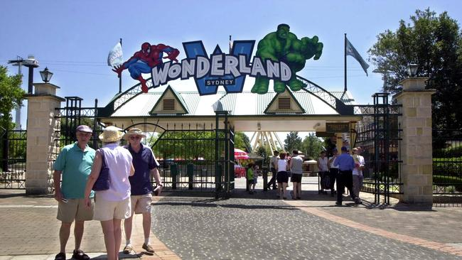 wonderland sydney to reopen as worlds of wonder theme park daily