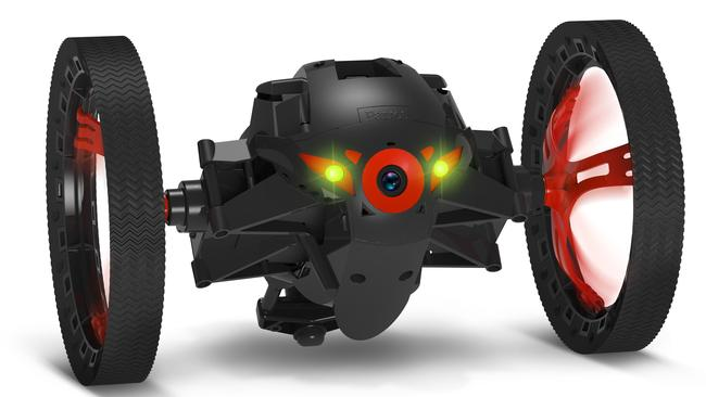 A drone-eye view of the world ... with a Parrot Jumping Sumo.