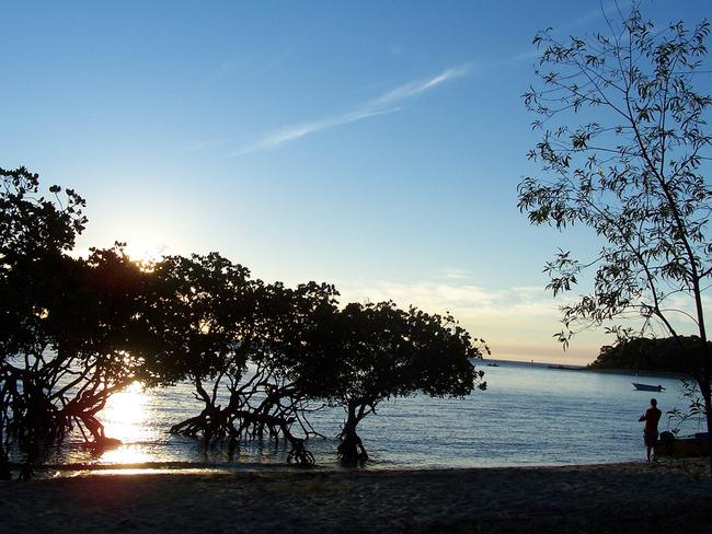 Watch beautiful sunsets over the water on the shore of 1770. Picture: rewindyourtime.