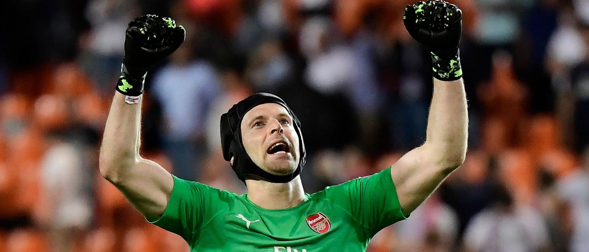 Arsenal's Czech goalkeeper Petr Cech celebrates at the end of the UEFA Europa League semi-final second leg football match between Valencia CF and Arsenal FC at the Mestalla stadium in Valencia on May 9, 2019. (Photo by JAVIER SORIANO / AFP)