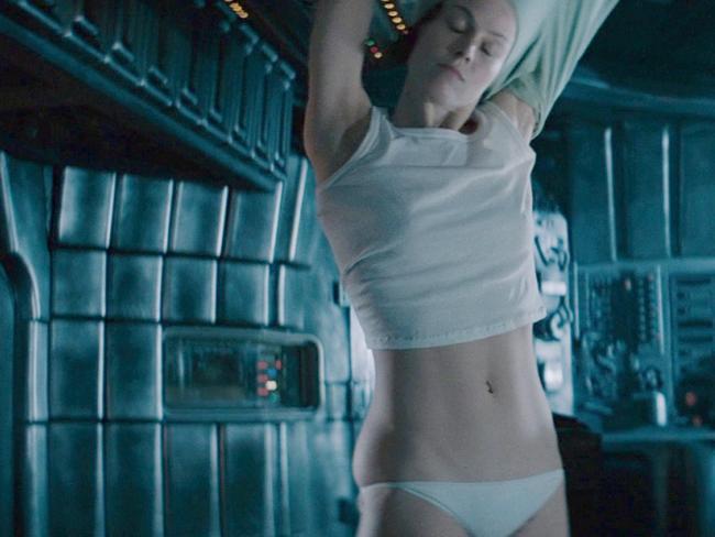 James Cameron Alien Scene With Sigourney Weaver Stepped -2085