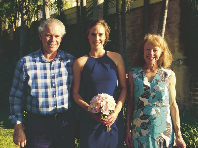 Cricketer Ellyse Perry with dad Mark and mum Kathy.