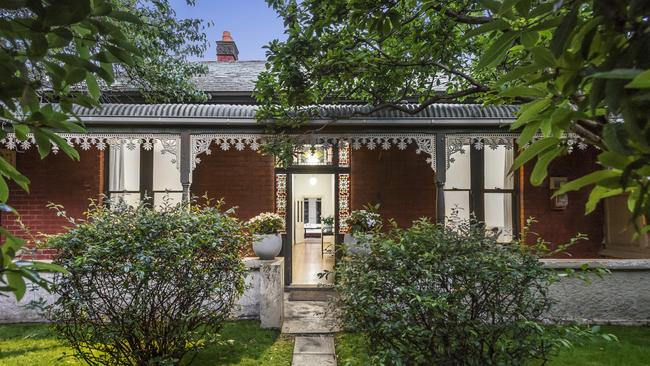 74 Chaucer St, St Kilda is going to auction.