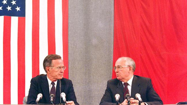 Former US President George Bush and his Soviet counterpart Mikhail Gorbachev in 1991. Mr Gorbachev sun praise for Mr Bush upon news of his passing. Picture: Mike Fisher/AFP