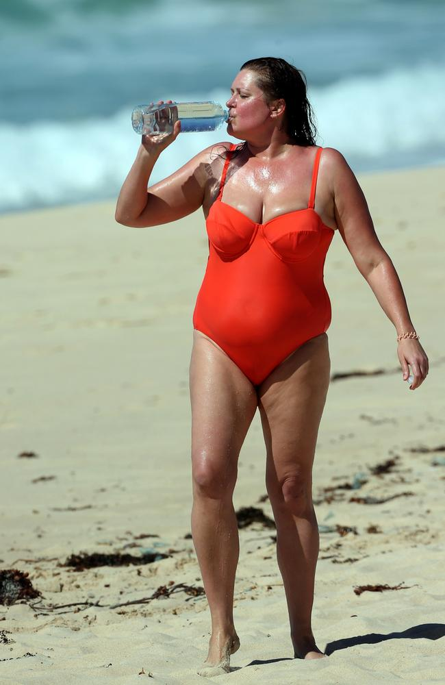 Tziporah Malkah was spotted at the beach for the first time since revealing her weight loss. Picture: Diimex