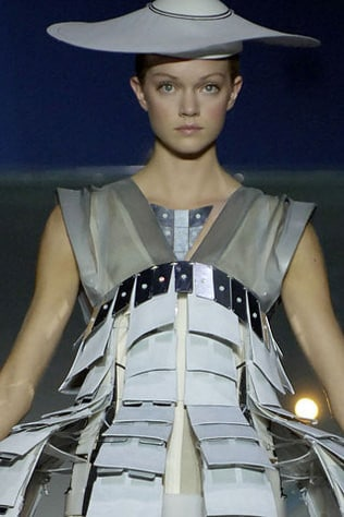 Hussein Chalayan Ready-to-Wear Spring/Summer 2007