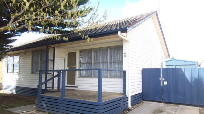 Buyers from Avondale Heights in Melbourne's northwest snapped up 45 Kookaburra Ave, North Bendigo for $241,500.