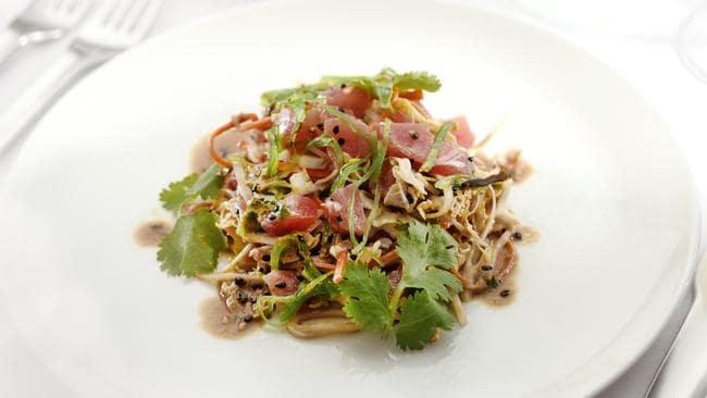 Tuna poke salad. (AAP Image/ Supplied by Qantas)