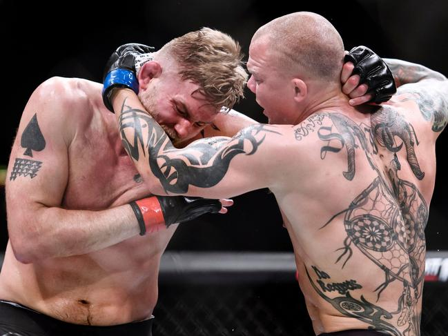 Alexander Gustafsson was ended by Anthony Smith.