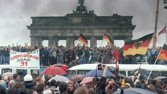 40a28cd1c0 Germany celebrates 25th anniversary of the fall of the Berlin Wall