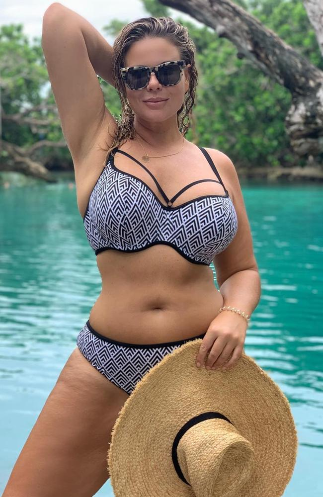 Fiona Falkiner has been flaunting her stunning figure in a string of bikin-clad snaps from her Vanuatu vaycay. Picture: Instagram