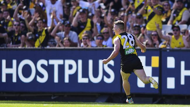 "<a capiid=""3c73bad59dde491e87744ae2d350f416"" class=""capi-video"">New Tiger's awesome interview</a> Jack Higgins celebrates his first goal in league football."