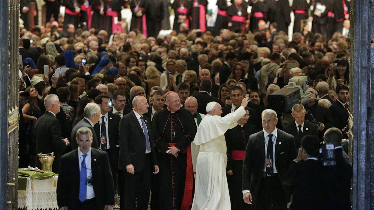Pope Francis in New York Prays for Hajj Victims