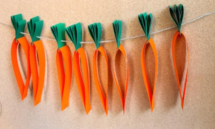 How to make an Easter carrot garland