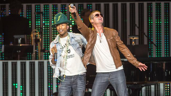 Pharrell Williams and Robin Thicke performing Blurred Lines in 2014.