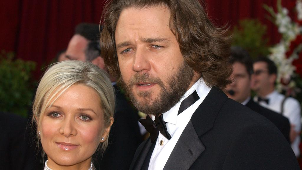 Russell Crowe to sell things at auction during divorce from Danielle