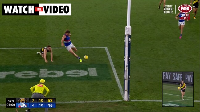 Bruce misses soccer-shot from square (Fox Footy)