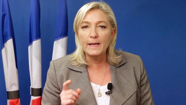 French National Front holds own rally
