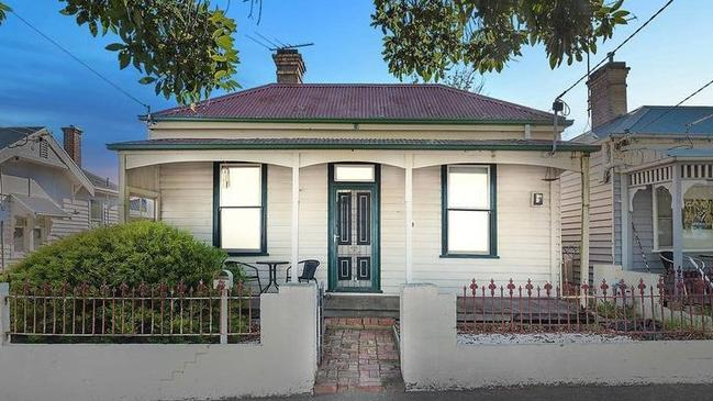 Geelong Real Estate House Next To Darryn Lyons Geelong Pub Sells To Investors
