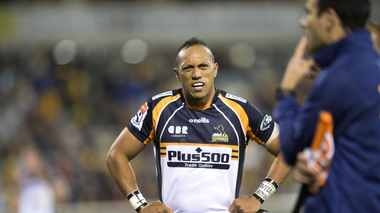 Christian Lealiifano had few opportunities to attack from set-piece as the Brumbies' forward pack went to work.