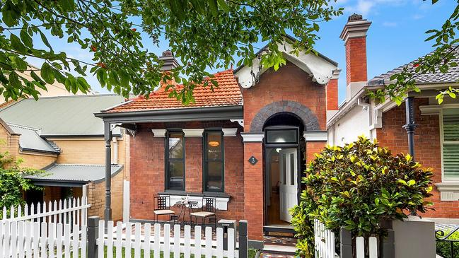 3 Myrtle St, Stanmore sold under the hammer for $1.52 million.