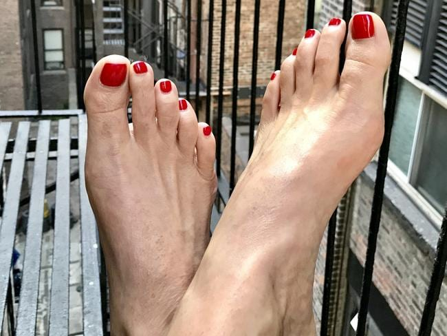 Foot Fetish Gweneth Lee Makes 4000 A Month On Instagram-5369