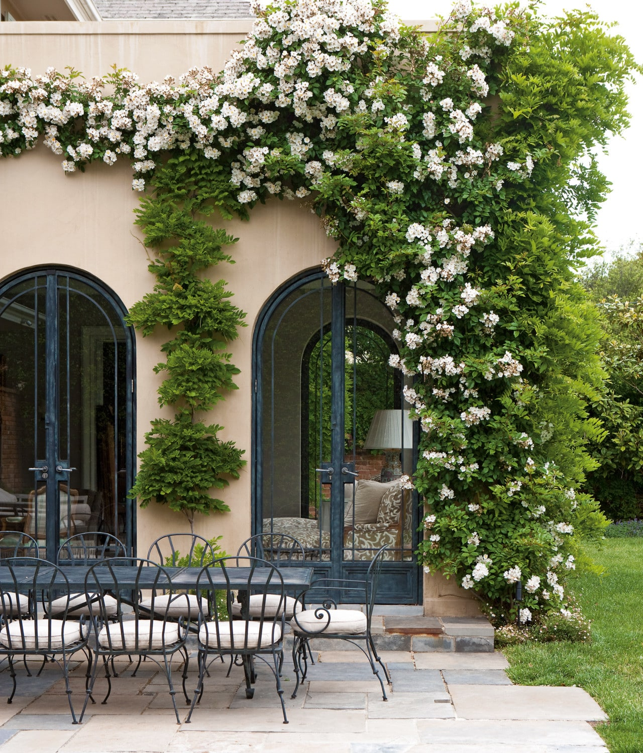 Paul Bangay On The Best Plants For Year Long Flowers And How To Have