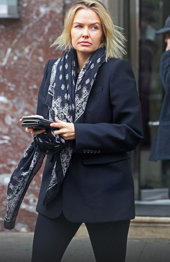 Lara Bingle Worthington Looks Exactly Like The Mum Of A