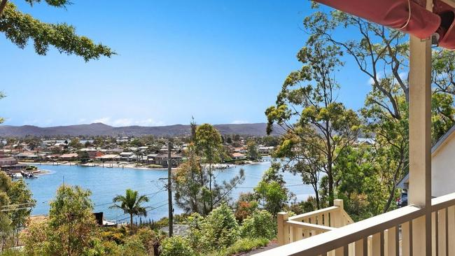 The property overlooks St Huberts Island and the Brisbane Waters.