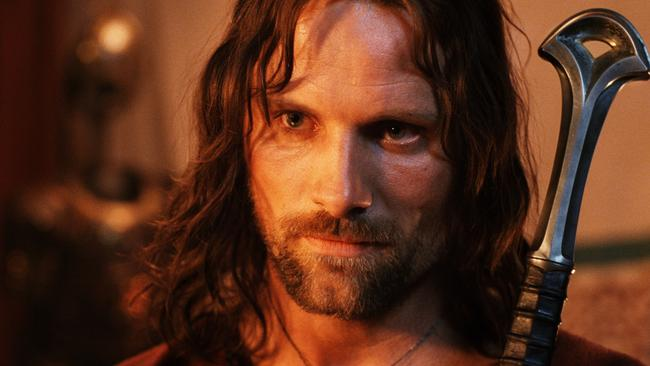 A scene featuring Aragorn (Viggo Mortensen) was cut from the movie.