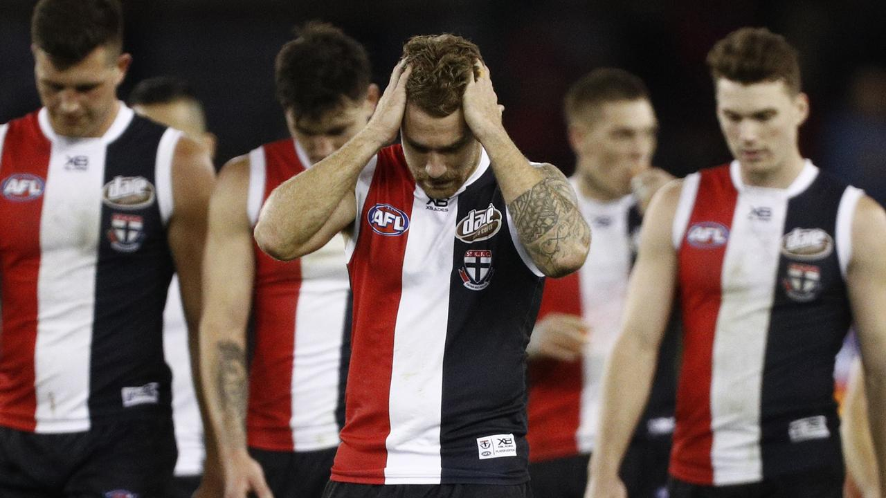 Teams risking a horror start lucky sides set up for glory: Burning questions from AFL fixture phase 1 – Fox Sports