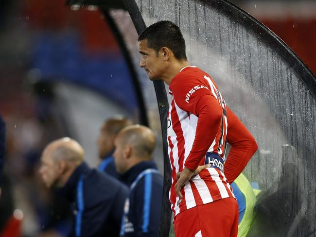 Tim Cahill of Melbourne City waits for a start in the 77th minute.
