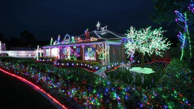 12 ridge view drive narangba received an encouragement award in the 2013 4kq christmas lights