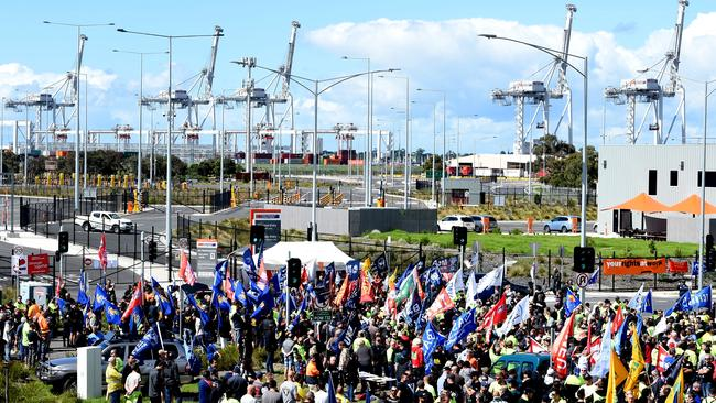 Bus loads of union members are flooding the Melbourne port for a rally. Picture: Nicole Garmston