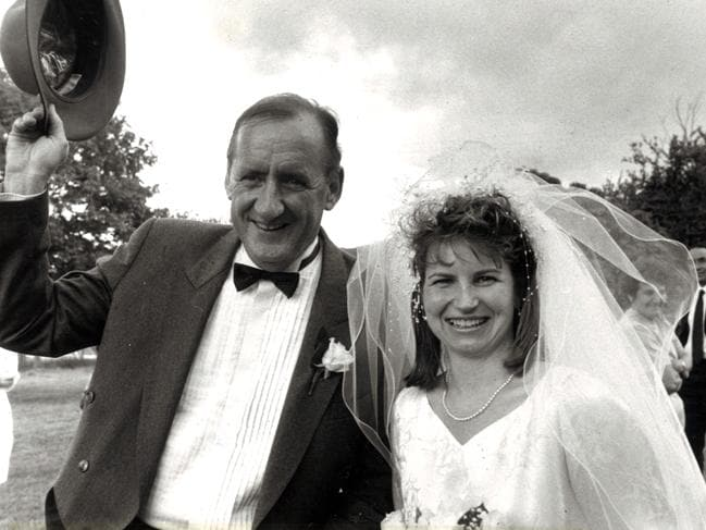 Tim Fischer at his wedding to wife Judy Brewer.