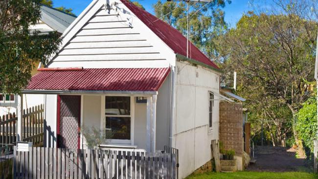 This unique one-bedroom house at 25 Susan St, Annandale is on 300sq m and sold for $900,000.