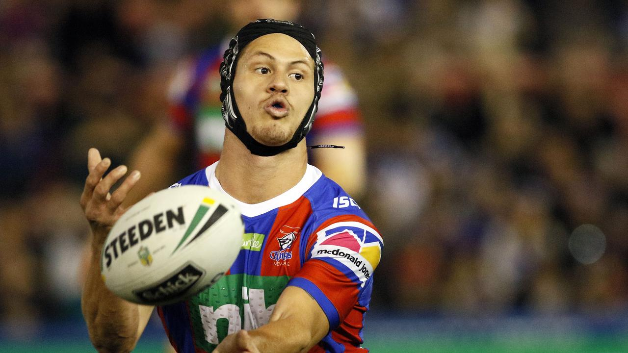 Kalyn Ponga of the Knights passes the ball during the Round 16 NRL match between the Newcastle Knights and the Canterbury-Bankstown Bulldogs at McDonald Jones Stadium in Newcastle, Saturday, June 30, 2018. (AAP Image/Darren Pateman) NO ARCHIVING, EDITORIAL USE ONLY