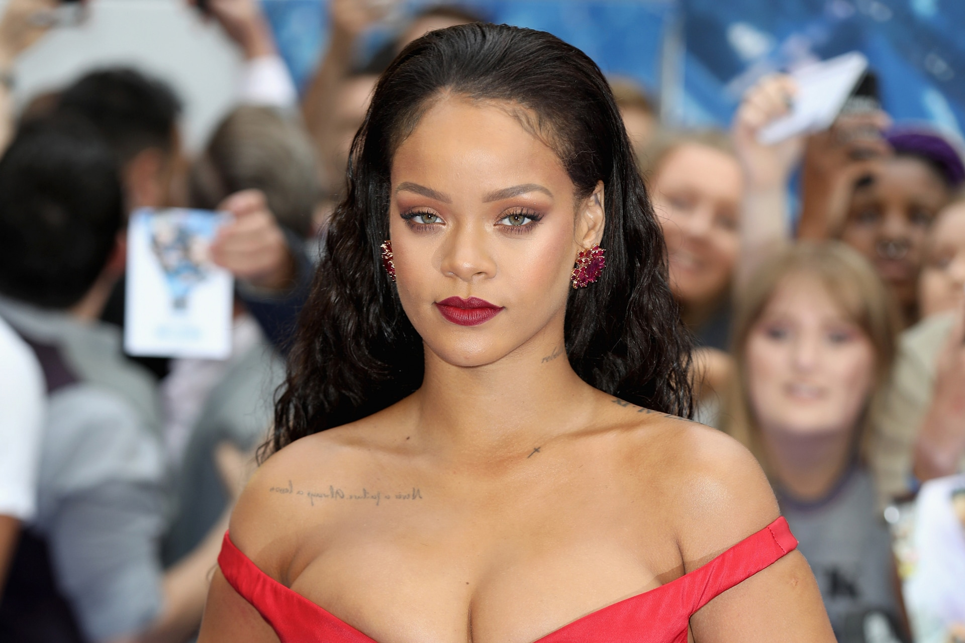 Rihanna just handed over five priceless beauty tips and we're memorising them for life