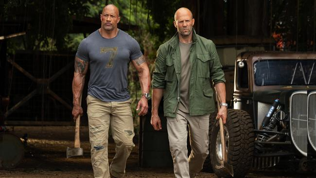Dwayne Johnson and Jason Statham in Hobbs & Shaw.