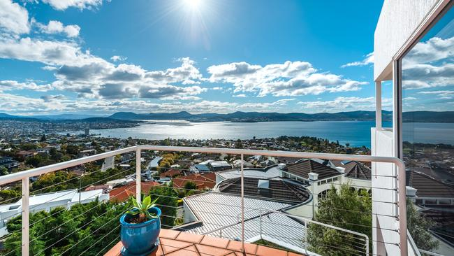 4b Stephanie Close, Sandy Bay