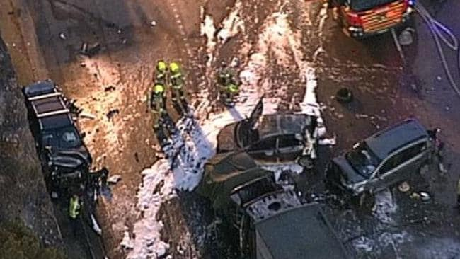 Mooney Mooney crash: Two dead on M1 north of Sydney
